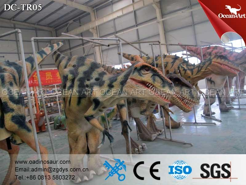 VelociRaptor_Dinosaur_Costume_05